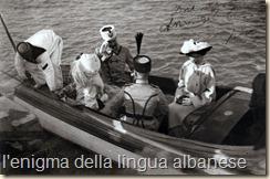 Durazzo. L'arrivo dei Principi di Wied a bordo di una lancia. Di spalle Essad Pascià Toptani.