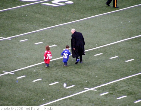 'Tom Coughlin and Grandkids' photo (c) 2008, Ted Kerwin - license: http://creativecommons.org/licenses/by/2.0/