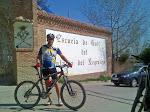 Jose (comando sur) en la entrada a la escuela de golf del Palacio del Negralejo en San Fernando de Henares (Madrid)