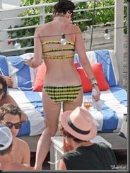 katy-perry-bikini-0729-16-675x900
