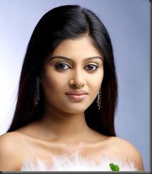 actress_oviya_still1