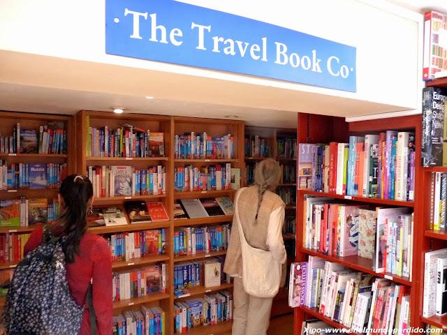 seccion-viajes-libreria-notting-hill.JPG