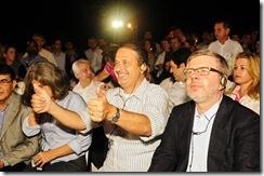 Governador e presidente em exercício acompanham encenação da  Paixão de Cristo com audiodescrição