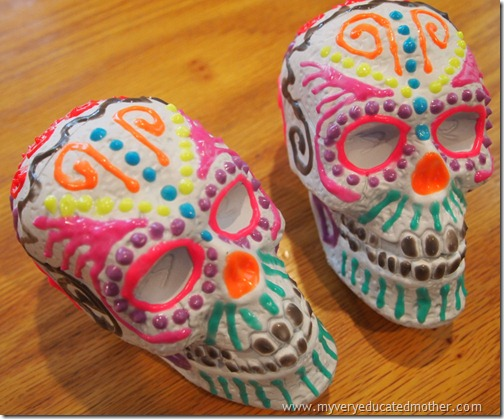 @mvemother Glow in the Dark Dia de los Muertos Skulls