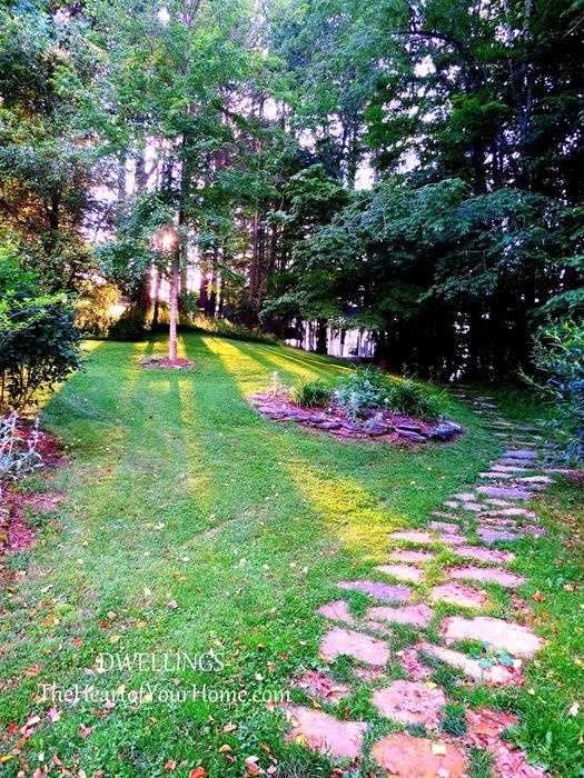 mast farm inn path