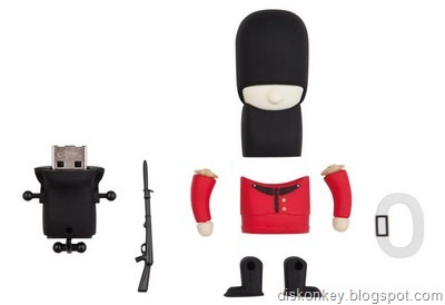 Queens Guard Soldier USB flash drive 1