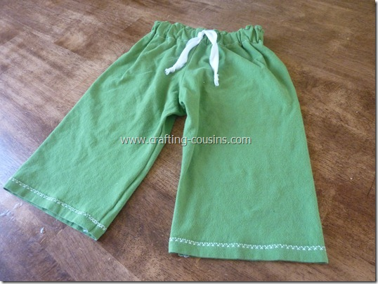 Make a pair of children's pajama pants from a tee shirt.  Check it out at Crafty Cousins (22)