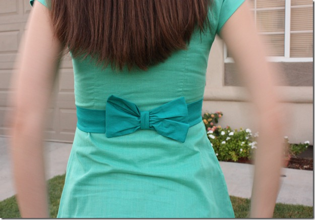 Bow in Back