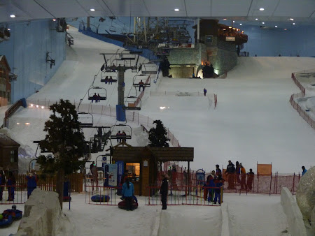 Teleschi pe partia de schi din Dubai