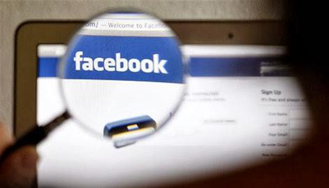 Facebook-Logo-Computer-Magnified