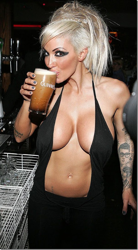 jodie-marsh-boobs-muscle-1
