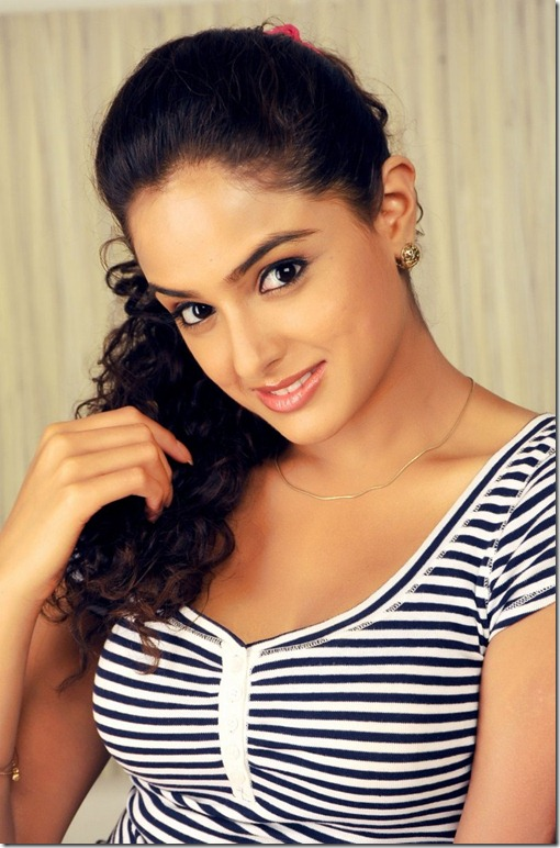 actress_asmita_sood_hot_still