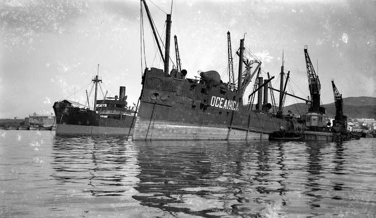 Ponton OCEANICA. Foto Archivo FEDAC.jpg