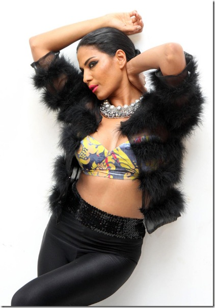 veena-malik-latest-hot-photoshoot-stills _14_
