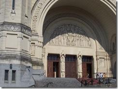 2012.07.26-019 portail de la basilique