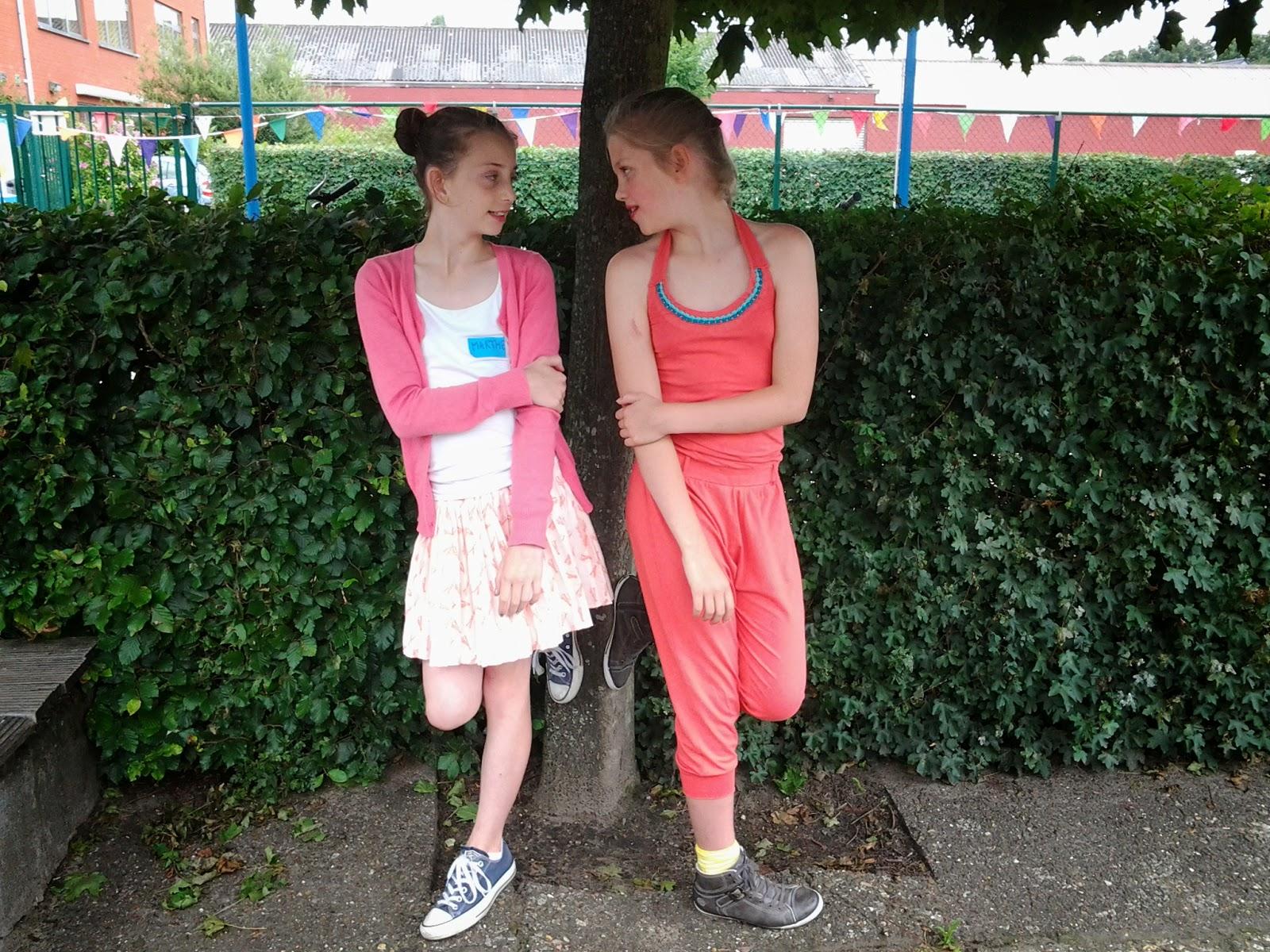 Meiden spelletjes flirten op school