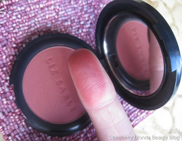 Liz_Earle_Powder_Blush_Peony_07_swatch (2)