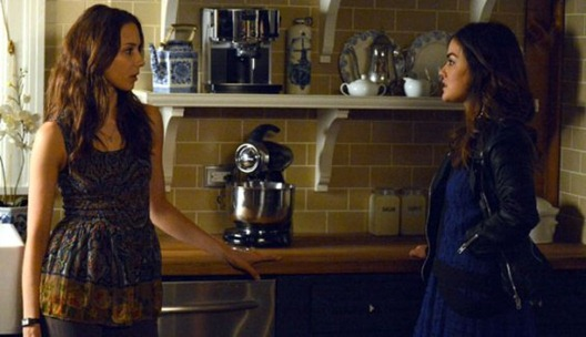 pretty_little_liars_out_of_the_frying_pan_a_l