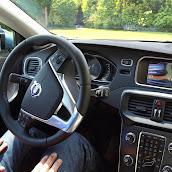 2013-Volvo-V40-New-49.jpg