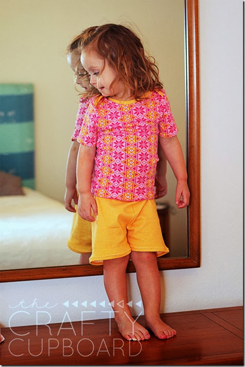 Peek A Boo Patterns Lullaby Line Lap Tee and Shorts