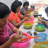 人の手を使っての掃除・清浄作業、Siniawan, Sarawak / The clean-up by hands: Siniawan, Sarawak