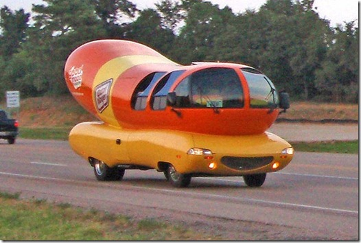 wienermobile01[3]