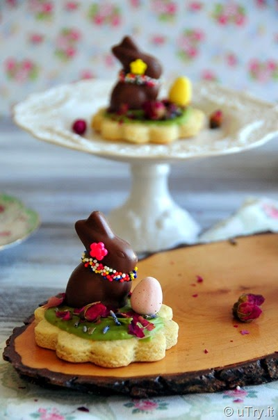 How to Make Flower Garden Cookies with Video Tutorial  Perfect Cookies for Spring and Tea Parties!  http://uTry.it
