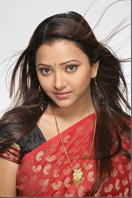 Shweta_Basu_in_saree