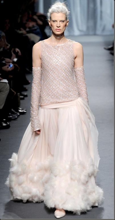 chanel-couture-spring-summer-2011-kristen-mcmenamy