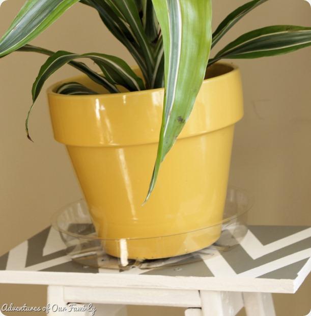 plant stand chevron diy