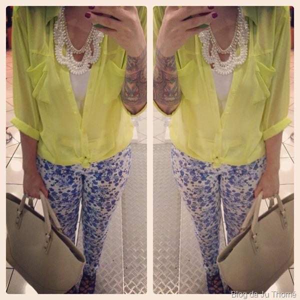 look calça floral e camisa fluor (1)