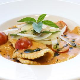 Raviolli  by Katerina Galkina - Food & Drink Plated Food ( dinner, dish, italian food, raviolli, pasta )