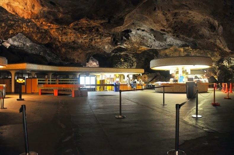 underground-lunchroom-2