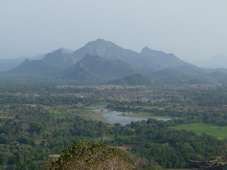 Priveliste Sri Lanka: perspectiva de pe culme