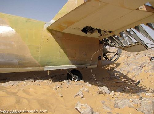 aviao Kittyhawk P-40 encontrado no deserto 70 anos desbaratinando  (9)