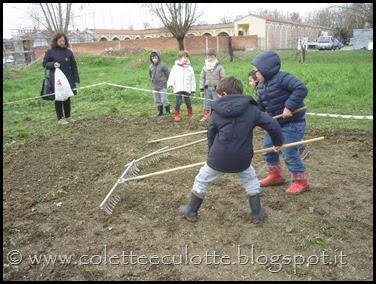 I bambini delle classi 1° della Scuola Primaria di Padulle piantano il grano! (21)