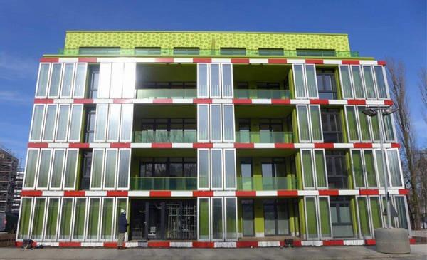 4- O primeiro edifício do mundo 'movido' à algas