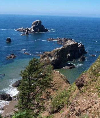 Cannon-Beach-Clastop-Country-Oregon-hiking