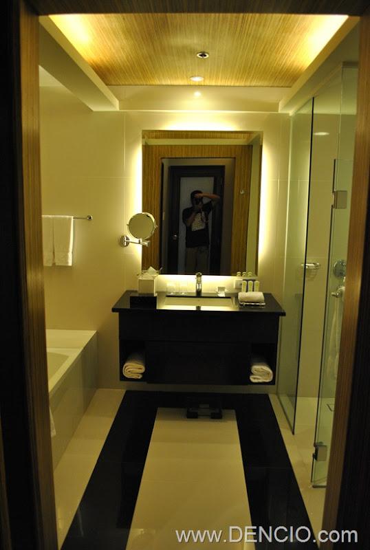 Bellevue Hotel Manila 14