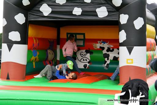 koeien kijken boer martij 18-06-2011 (17).JPG