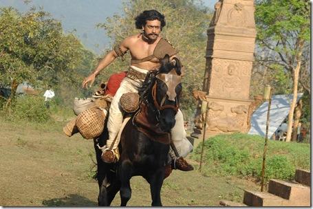 suriya shruti hassan 7am arivu movie stills2