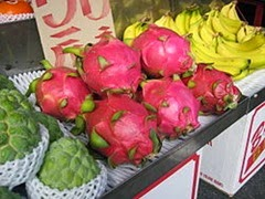 Dragonfruit_Chiayi_market