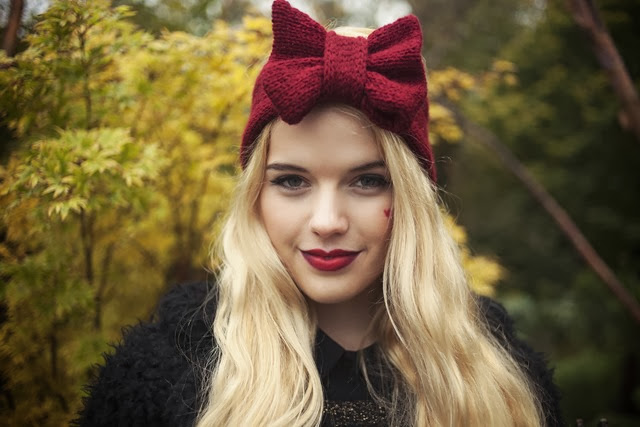burgundy-knitted-bow-headband-knitted-headband