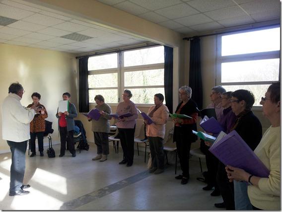"""Choristes de la chorale """"Chantons au fil du temps"""""""