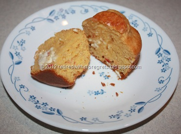 Roasted Red Pepper Hummus Corn Muffins - yum