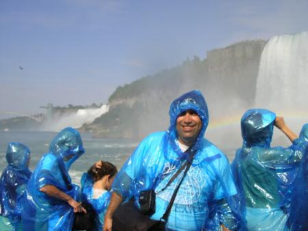 2005 sub cascada Niagara.JPG