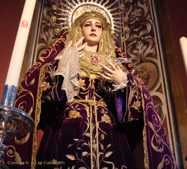 Virgen de la Merced de luto - Hdad. de Pasión Sevilla 4b.jpg