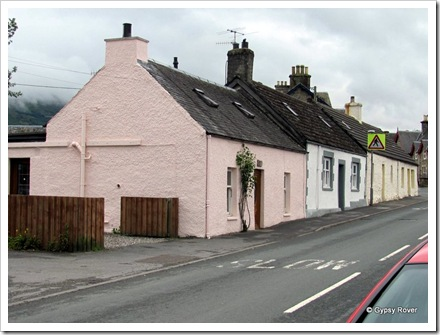 Old Scottish cottages in Killin.