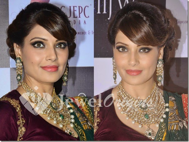 Bipasha_Basu_PC_Jewellers(3)