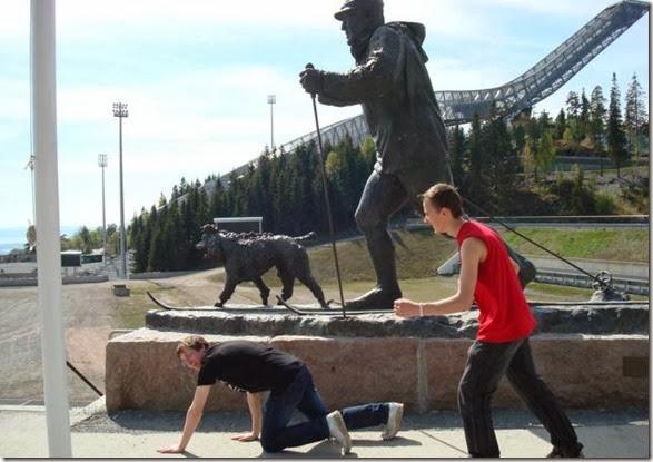 funny-statue-pose-012